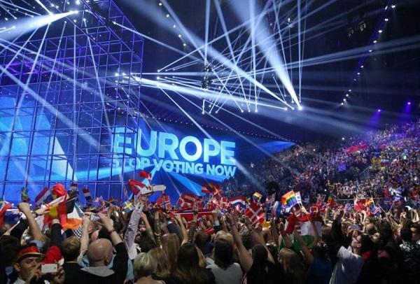 El público junto al escenario del B&W Hallerne, momentos antes de las votaciones de Eurovisiñon 2014