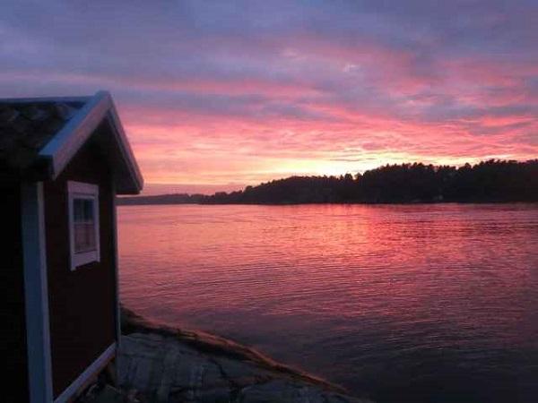 Atardecer desde Svanholmen, una de las dos Islas de las Ideas