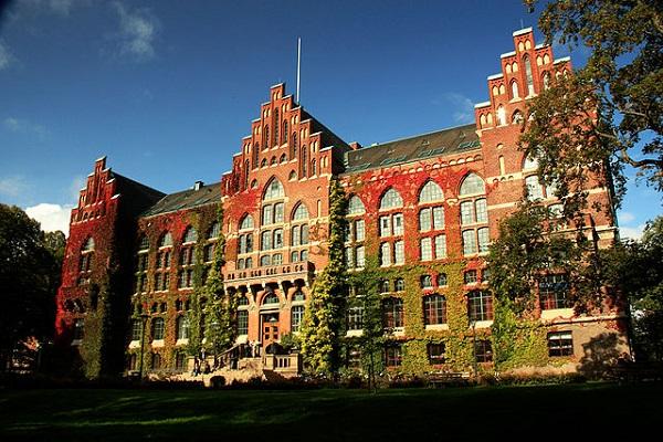 Edificio principal de la Universidad de Lund, fotografiado por Olena Siergieieva