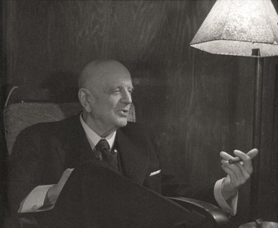 Jean Sibelius, retratado por los fotógrafos Aho & Soldan.
