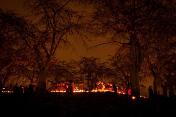 Colina de la Meditación, Skogskyrkogården, el Día de Todos los Santos. Foto: David Humphrey