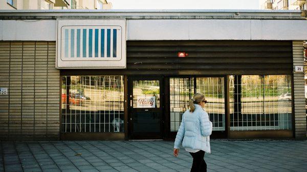 Puerta de los estudios Cheiron. Foto: Visit Stockholm